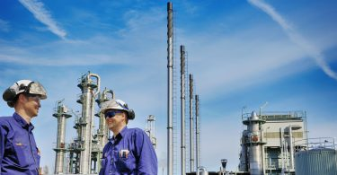 oil refinery workers